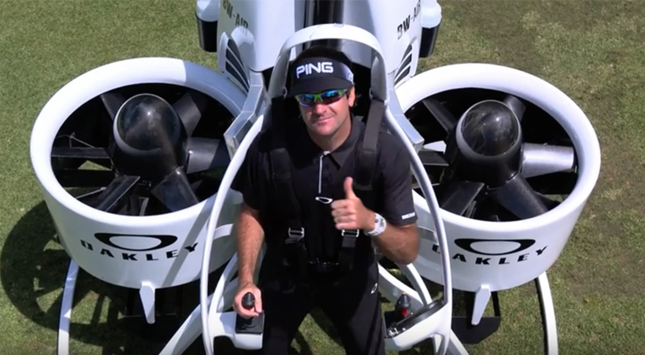 3773ecdbc80 Oakley and Bubba Watson have teamed up to bring golf fans