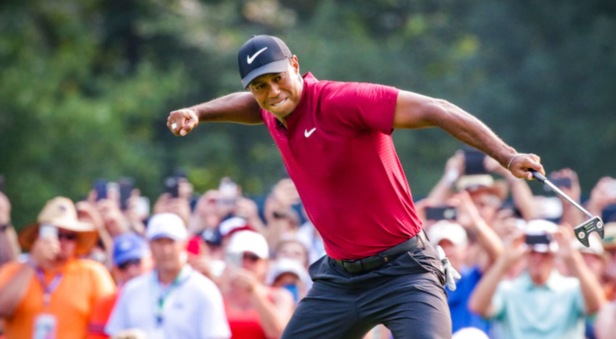 88cd8483c92 Tiger Woods throws charge into Bellerive with final-round 64