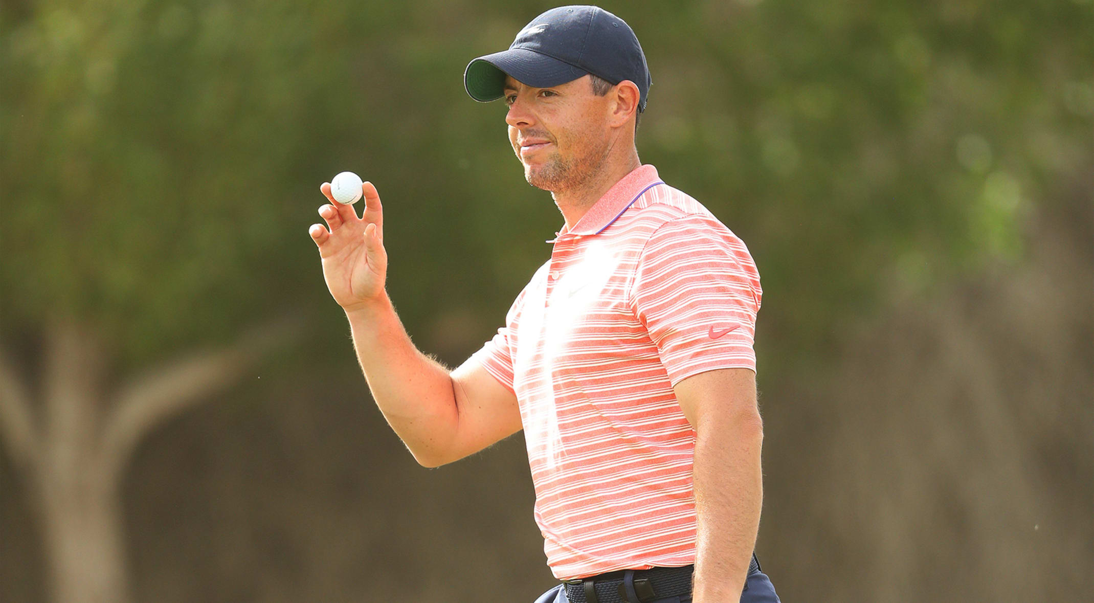 Rory Mcilroy Leads By One At The Abu Dhabi Championship