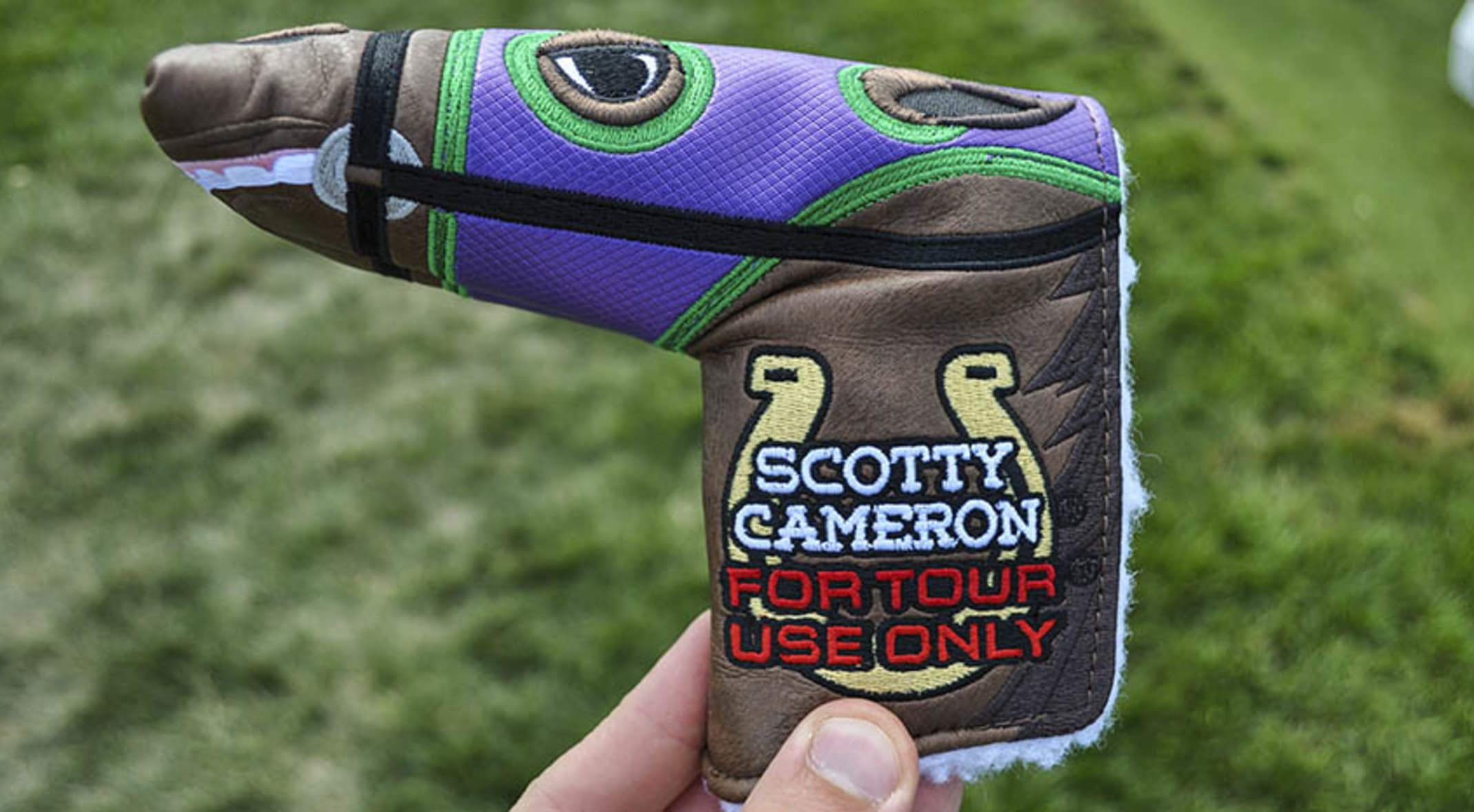 Scotty Cameron's Kentucky-inspired headcover