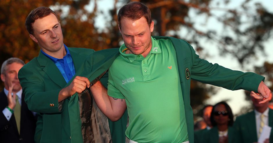 Spieth passes Green Jacket to Willett with dignity