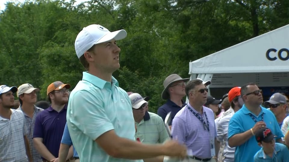 Jordan Spieth's tee shot sets up 5-foot birdie putt at Houston Open