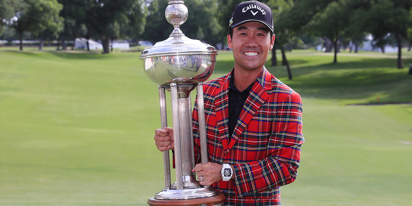 Kevin Na finally hoists the Charles Schwab trophy