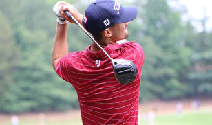 Knowles' 7-under 65 marks low score of the day, top spot on leaderboard