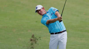 Snedeker's strong play carries him to 36-hole lead