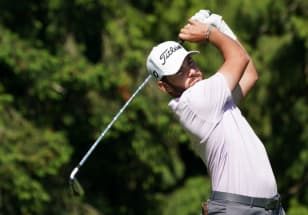 Buckley's hot putter leads to 63 at 1932byBateman Open