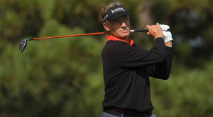 Langer chasing instead of being chased late in the year