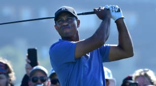 Tiger's chase for No. 83 off to solid start at Torrey Pines