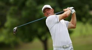 Alex Cejka, Steve Stricker share lead in suspended KitchenAid Senior PGA Championship