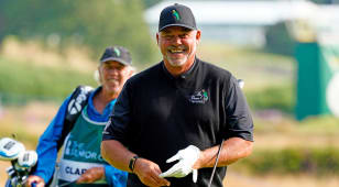 Darren Clarke holds 1-stroke lead at the Senior Open Championship presented by Rolex