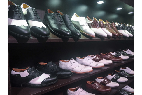 7b304afdf9b249 Discerning golfers lamenting the discontinuation of the FootJoy s iconic  Classics shoes can
