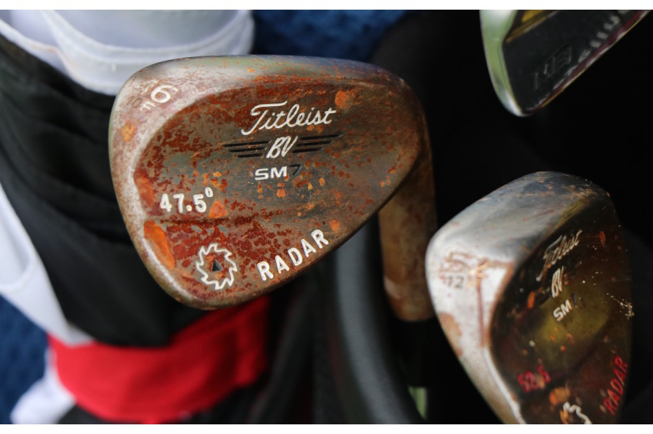 Justin Thomas' 46-degree Titleist SM7 wedge, which is actually bent to 47.5 degrees, is starting to show quite a bit of rust.