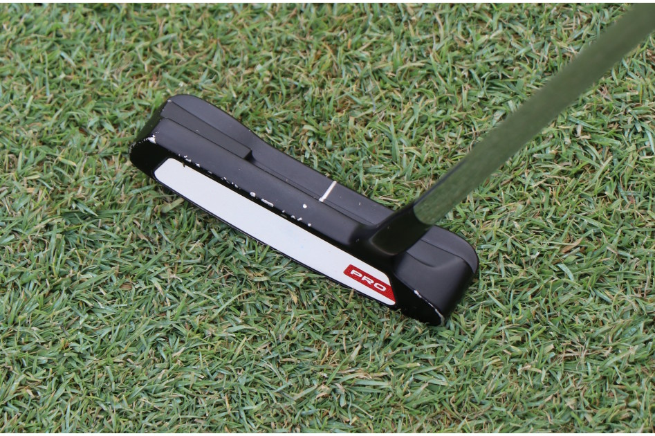 A look down at Tommy Fleetwood's Odyssey Pro putter that he's throuhgout 2019. Yes, he does have a headcover.